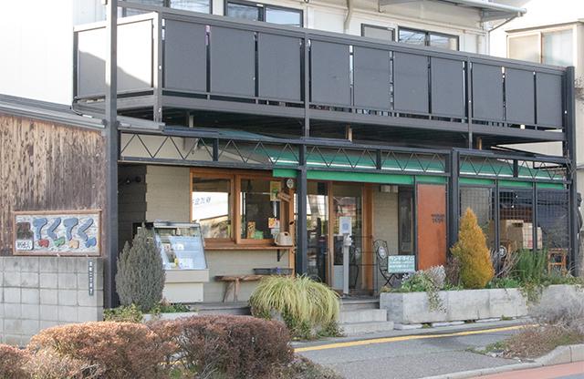 松本市 カフェ てくてく お店の外観